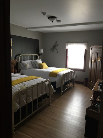 The Lost Mitten Bed and Breakfast  Bedroom # 3