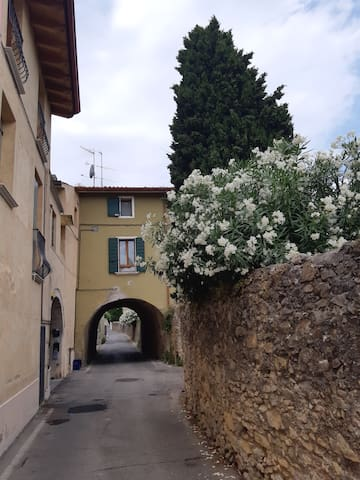 Manerba del Garda the house on the arch
