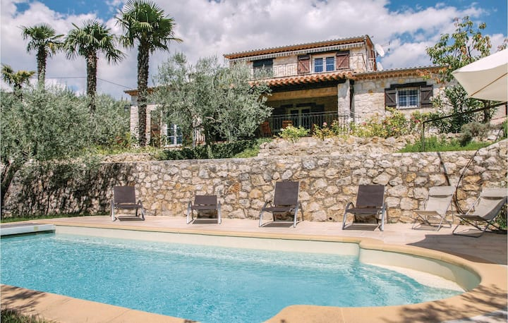 Awesome home in Fayence with WiFi and 5 Bedrooms