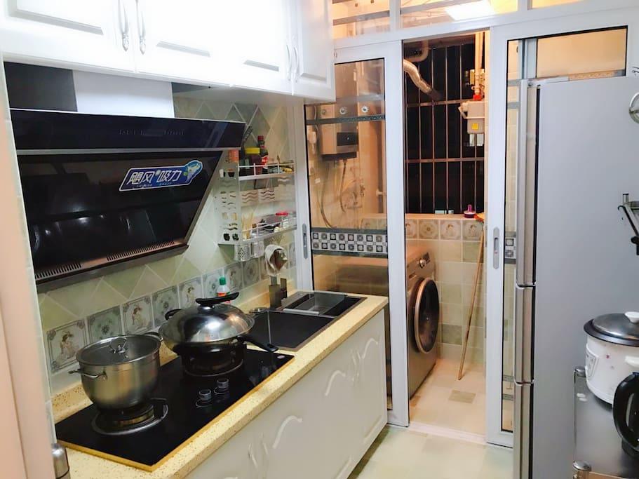 厨房全套设备、滚筒洗衣机