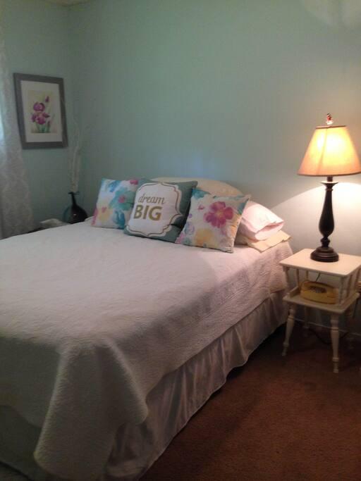 Bedroom #1 (queen size bed)