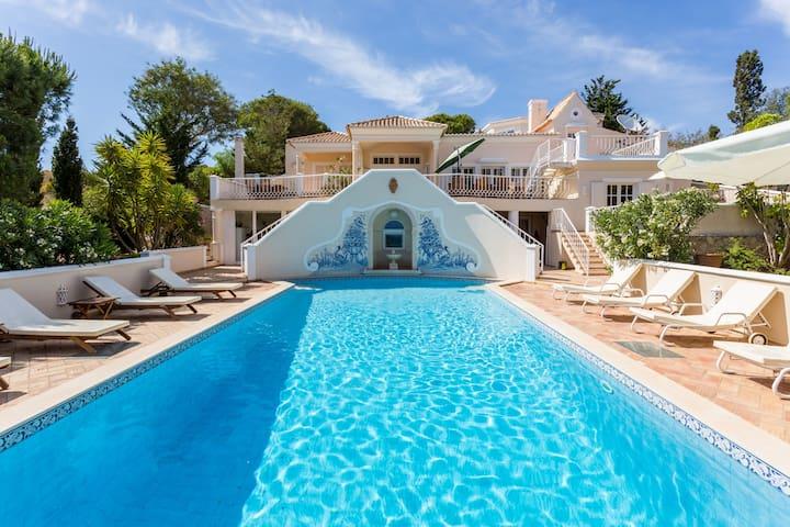 Top Cliff Villa - Privacy oasis, amazing sea views