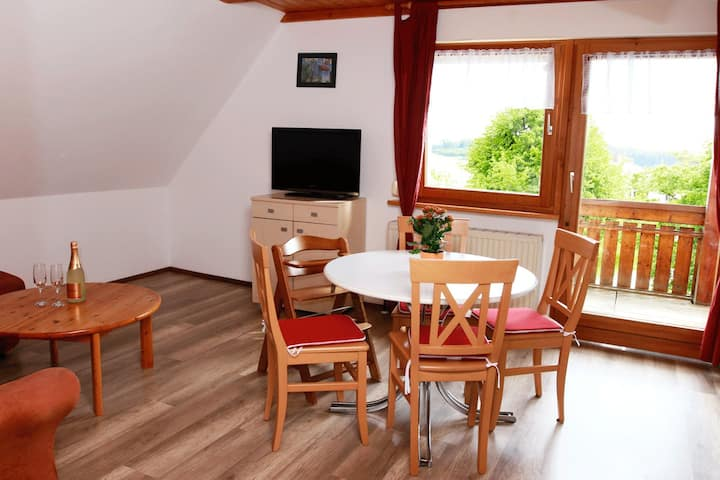 """Cosy Apartment """"Mayer Burghöfe FeWo 2"""" with Wi-Fi, Balcony & Garden; Parking Available"""