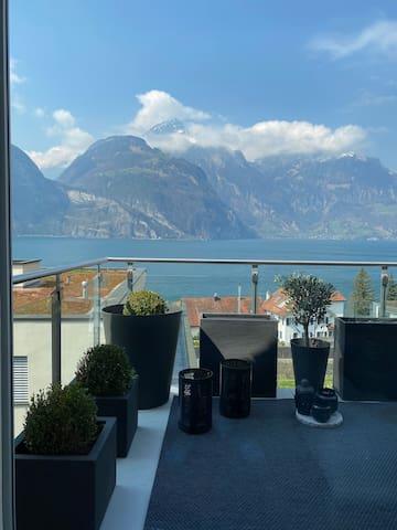 Wohnung mit See- und Bergblick