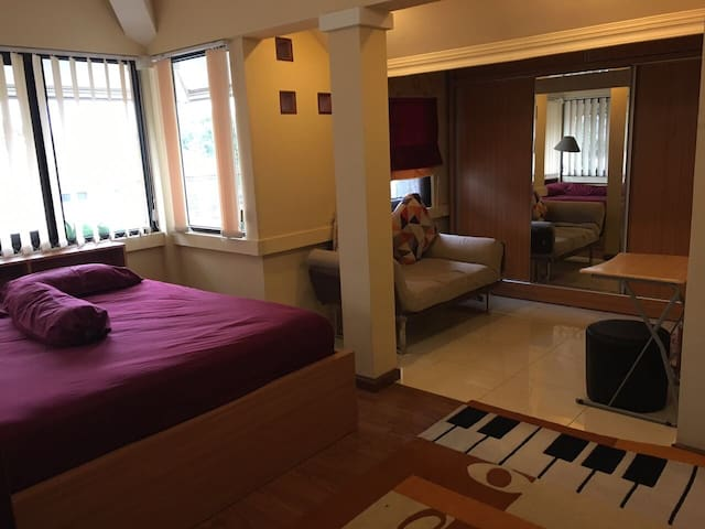 Homy room for family at Bandung - Bandung - Casa