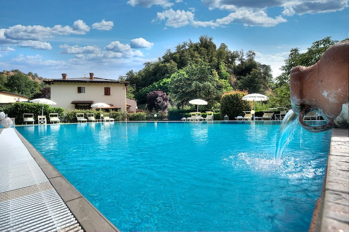 Two Bedroom family apt with POOL, WIFI.In Chianti