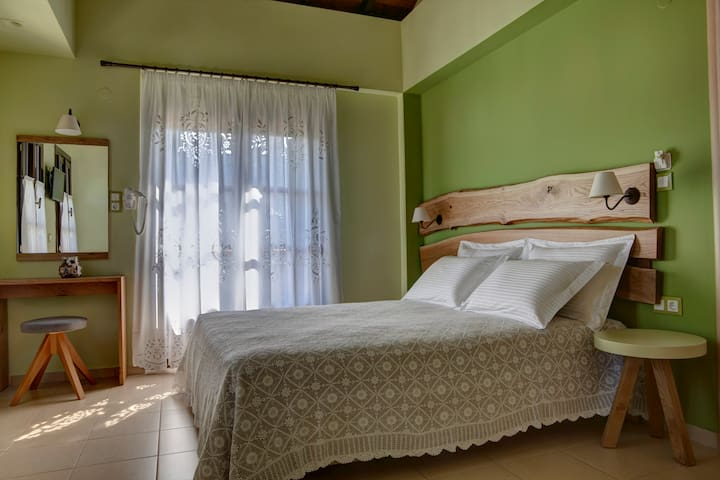 Elaion Terra Boutique Guesthouse (Ladainia Room)