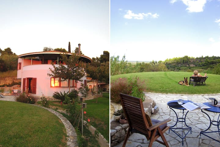 Round Family Villa near Ancient Olympia & the Sea - Kato Samiko - Villa
