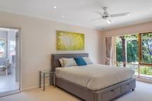 Bedroom 1 - KING Bed