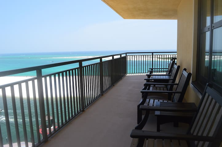 Emerald Grande 725 ~ Incredible View & Condo