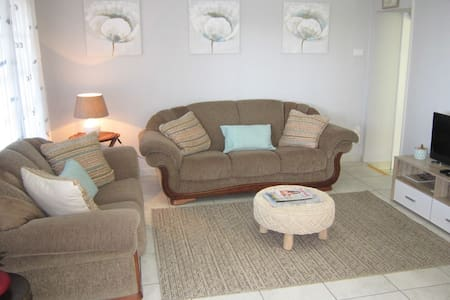See Rus - Westbrook KZN - Self catering - pvt/cozy