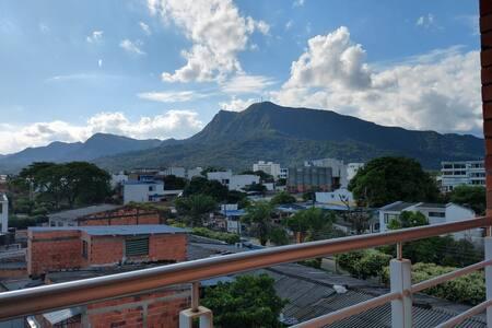 Moderno apartamento con hermosa vista, centro