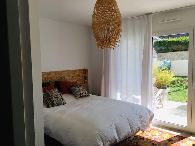 Chambre avec accès jardin