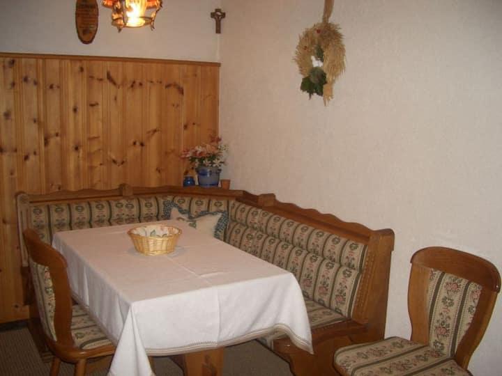 Willmannshof, (Furtwangen), Ferienwohnung Sonnenwinkel, 53qm, 1 Schlafzimmer, 1 Wohn-/Schlafraum, max. 5 Personen