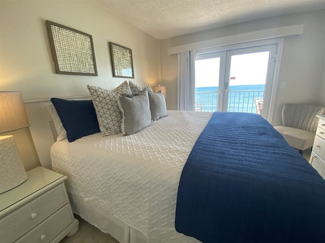 ~Flash Sale~Completely updated 2/2 Surfside Shores 1805