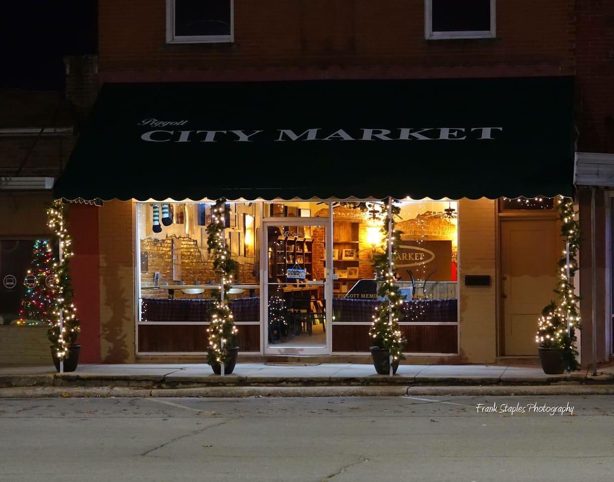 The Loft apartment is above the coffee shop Piggott City Market in lovely downtown Piggott.