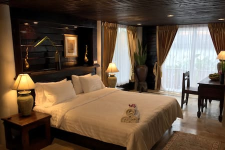 Sakhila Deluxe Room with Jacuzzi spa bath