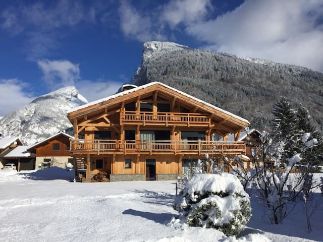 Chalet with wonderful mountain view - Samoëns - Chalé