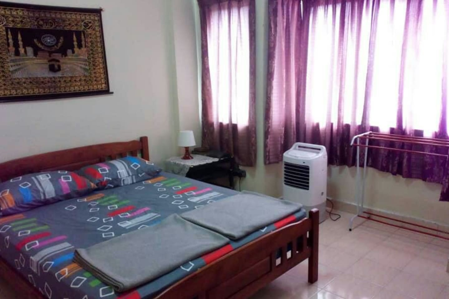 Master bedroom. The air-conditioning is currently out of order.