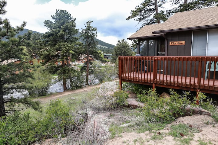The Den River Cabin
