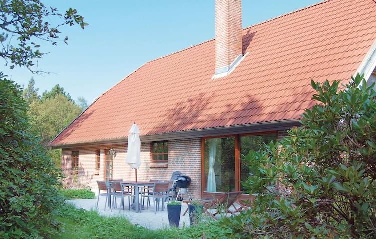Holiday cottage with 3 bedrooms on 192m² in Rømø