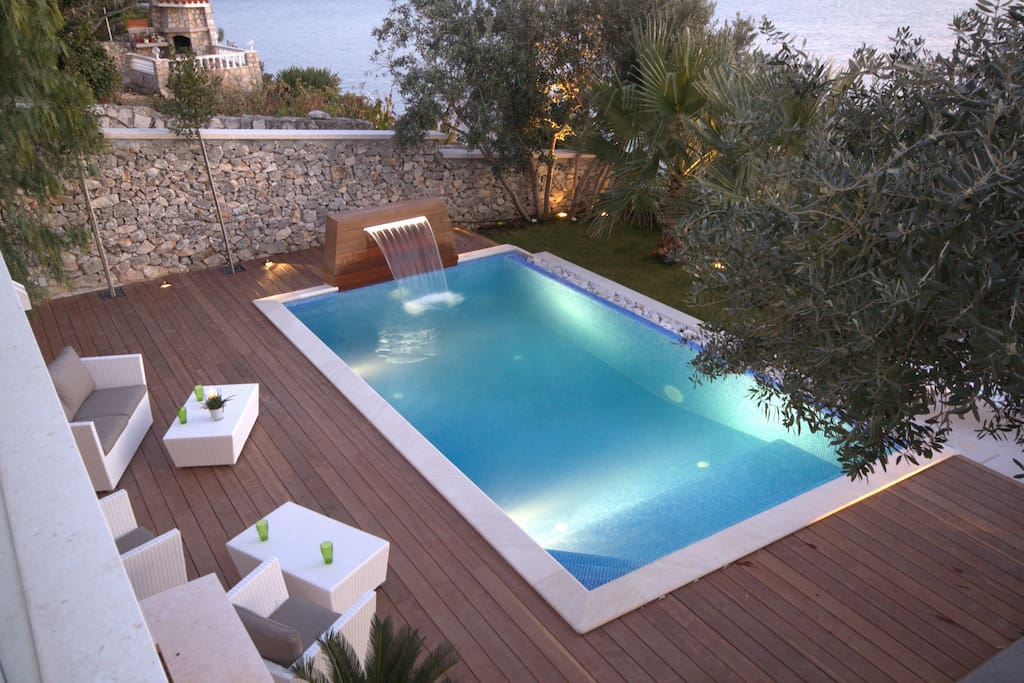 Luxury Villa Sunshine with pool by the sea at the beach close to Trogir - Trogir - Seget Vranjica