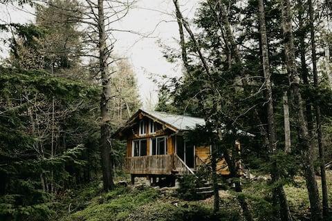 """River"" cabin (year round)"