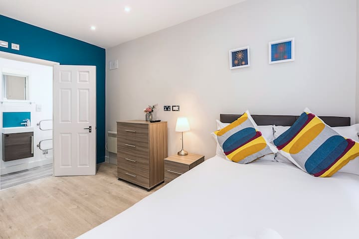 Great Private Room Close To The City Centre