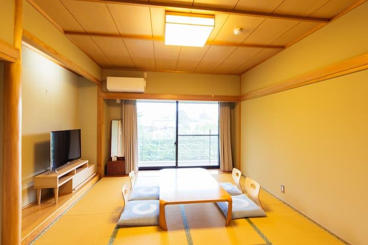 Small Hotel in the Woods/Washitsu for 3P/Karuizawa