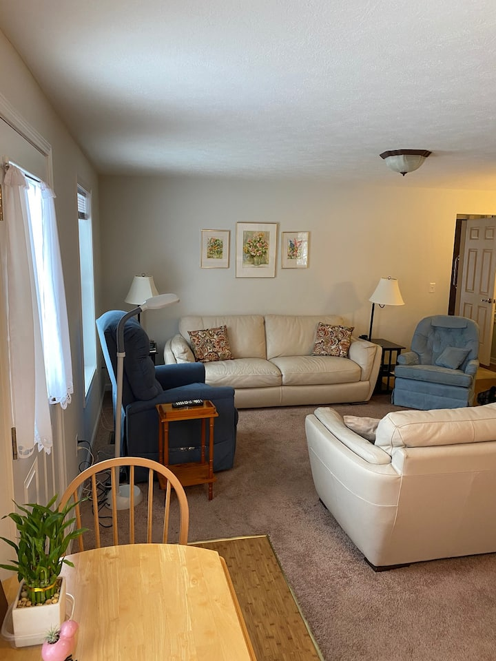 Charming One Bedroom Apartment in Palmyra NY