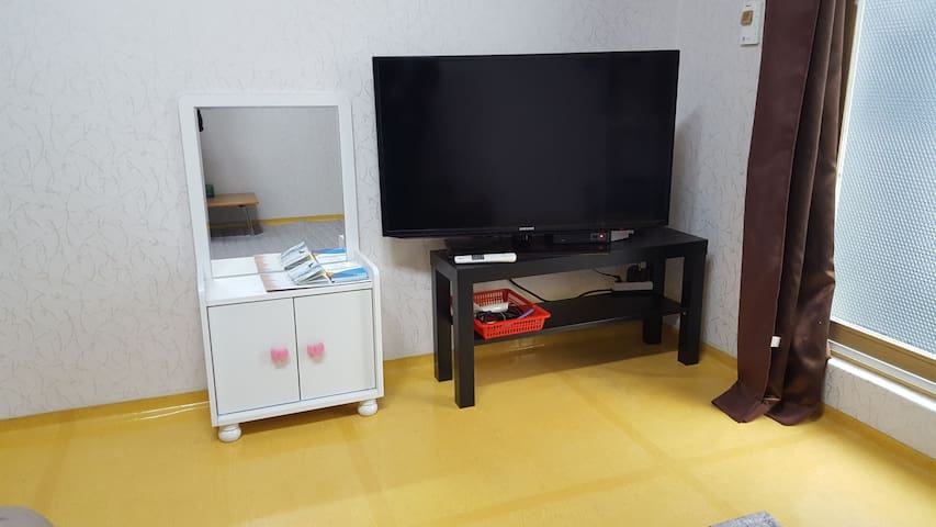 침실1  TV