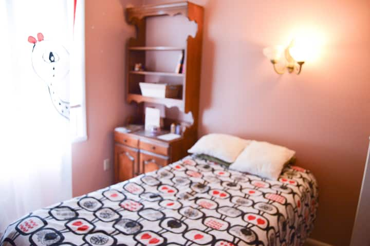Private, comfortable, Twin Bedroom