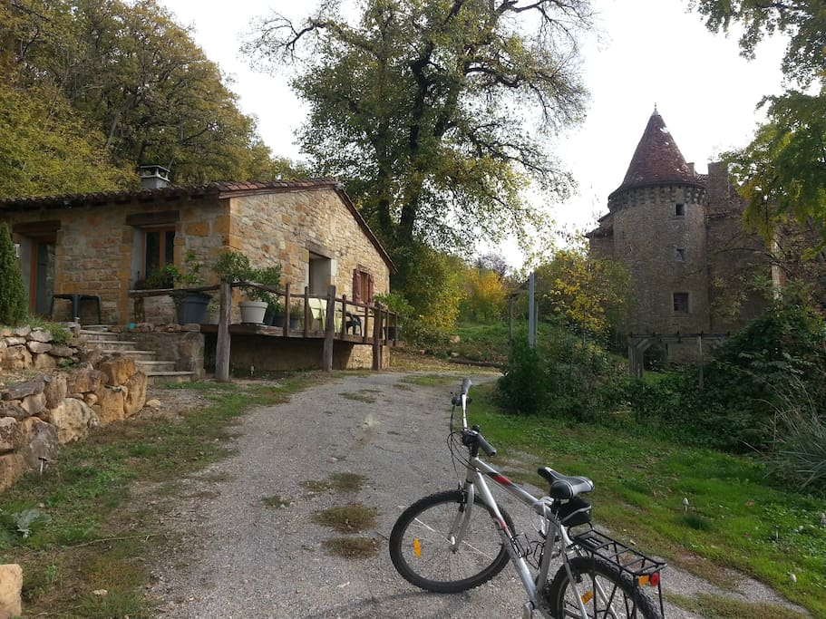 The cottage by the château. Bikes available for guests.