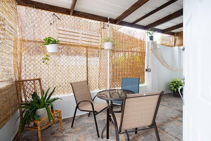 1 bed/terrace 1st fl near beach&hip local Loiza St