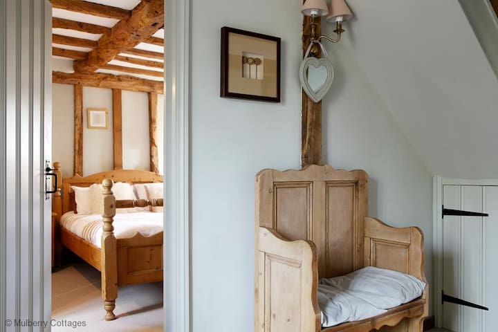 Woolhouse Barn Sleeps 5, is converted to retain its charm and character and is tastefully furnished and equipped. - Hunton , Maidstone - Hus