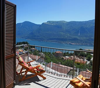 little cottage with an amazing sight on Garda Lake - Tremosine sul Garda località Pieve - Stadswoning