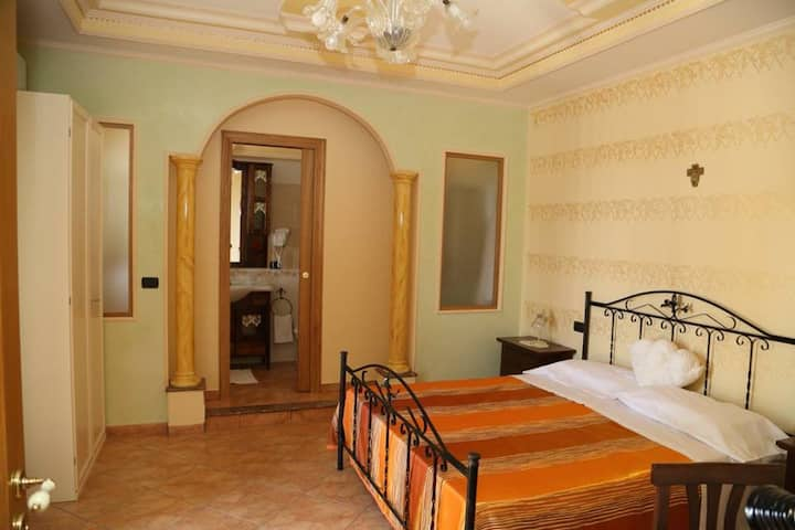 Villa Manno B&B Camera matrimoniale Suite Orchidea