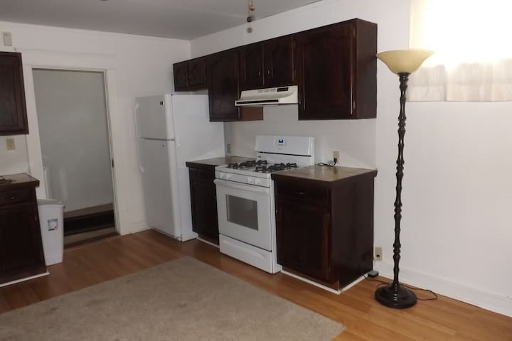The Carriage House Apartments Upstairs Unit - DeRidder - Leilighet