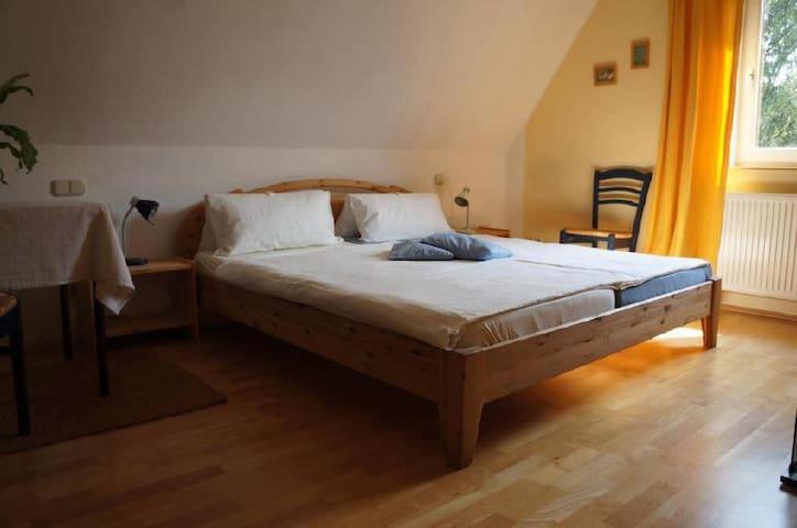 Moers - ruhiges, gemütliches Doppelzimmer