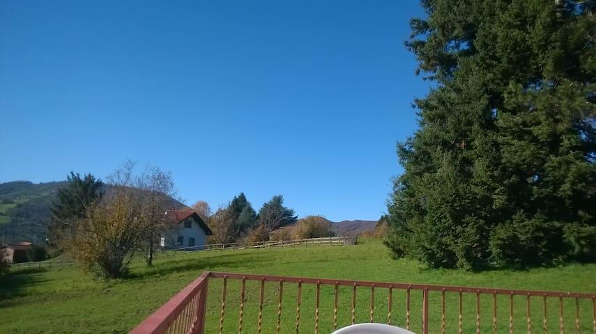 Pace e relax nelle valli dei monti Liguri - Casella - Aamiaismajoitus
