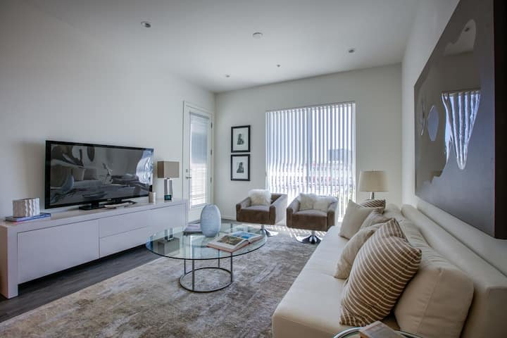 Gorgeous 2BR/2Bath Apt-Beverly Center/Cedar-Sinai