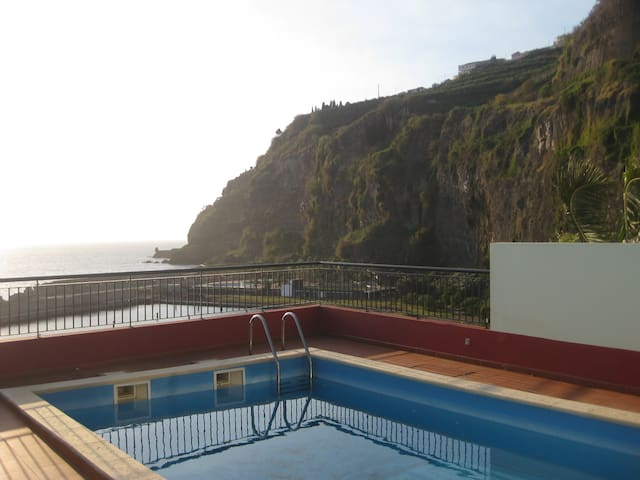 Warm Villa/Private Swimming poll/ Amazing sea view - Ponta Do Sol - Rumah