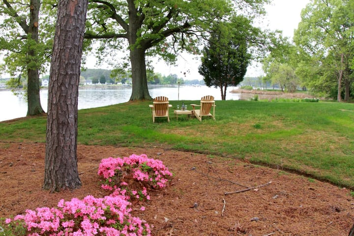 Osprey Point - Tranquil Waterfront Cottage w/ Pool & Kayaks - Pets Welcome!