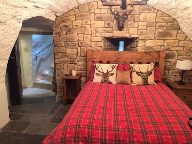The Archers Bedchamber at Castle Levan B&B
