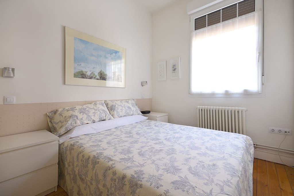 Habitación doble sencilla agradable