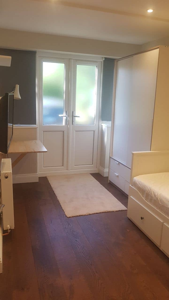 Private Guest Suite (studio) in North London N20
