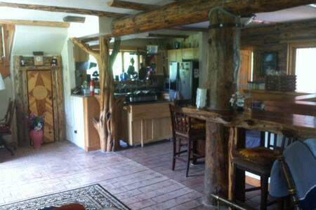 Large Cabin in the Woods - Bayfield - Hus