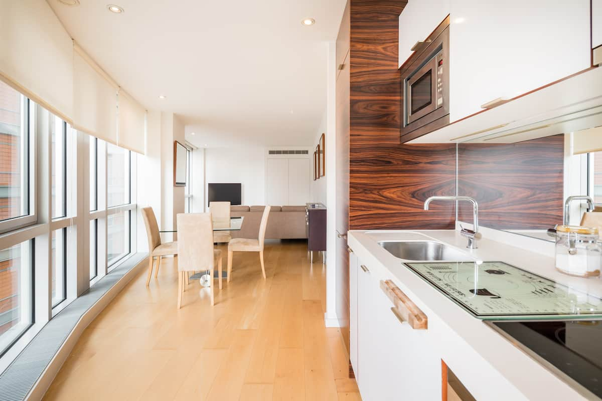 Entire Flat in an Exclusive Canary Wharf Building