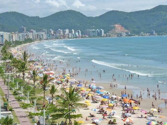 Apartamento na rua 280, em Meia Praia, Itapema/SC.