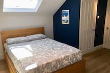 Southsea en-suite loft in family home